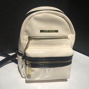 NWT Black&White Steve Madden backpack w/ gold zips